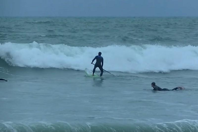 Vidéo : Passer les vagues avec Eric Terrien