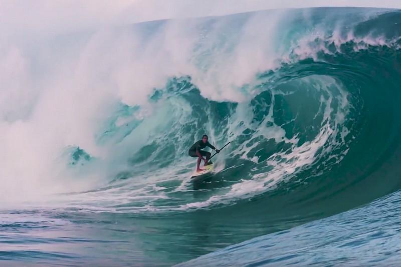 Vidéo : Lucas Medeiros à Teahupoo