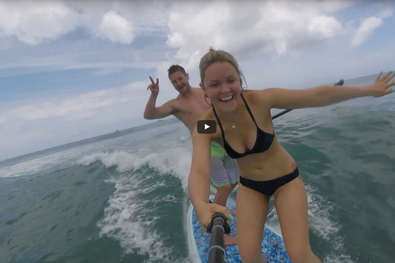 Vidéo : Du SUP surfing en tandem à Hawaii