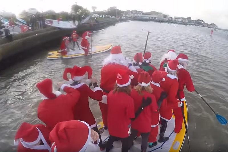 Vidéo : Les Pères Noël en big SUP