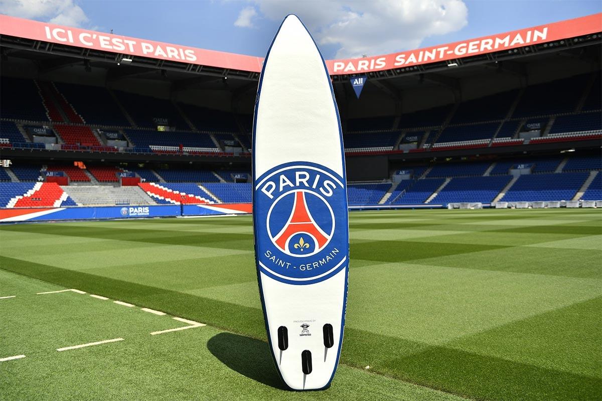 Une planche de SUP… aux couleurs du PSG !