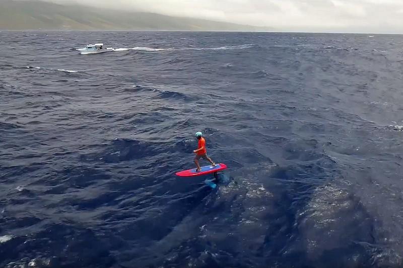 De Maui à Molokai en SUP foil