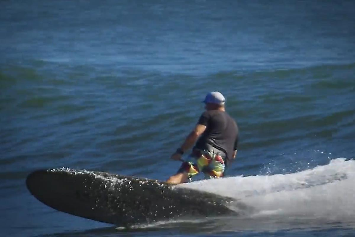 Une session en SUP longboard avec Andrew Cassidy