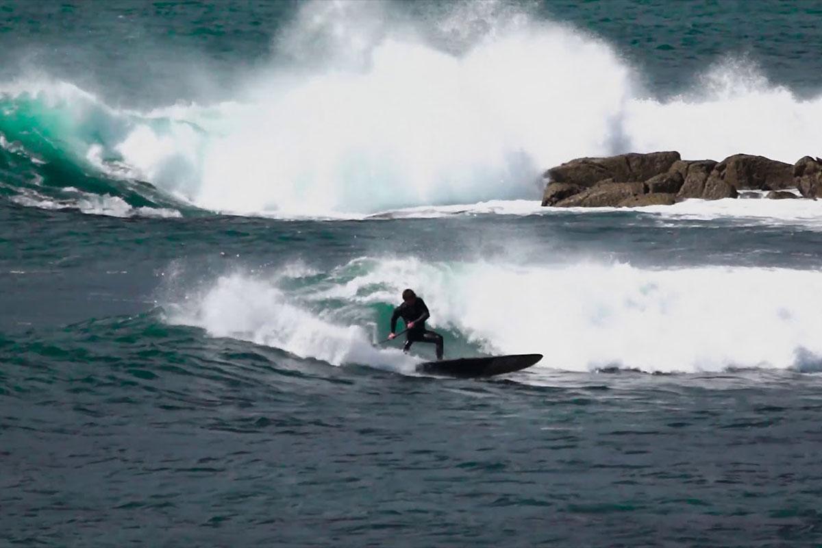 Benoit Carpentier en SUP longboard à domicile