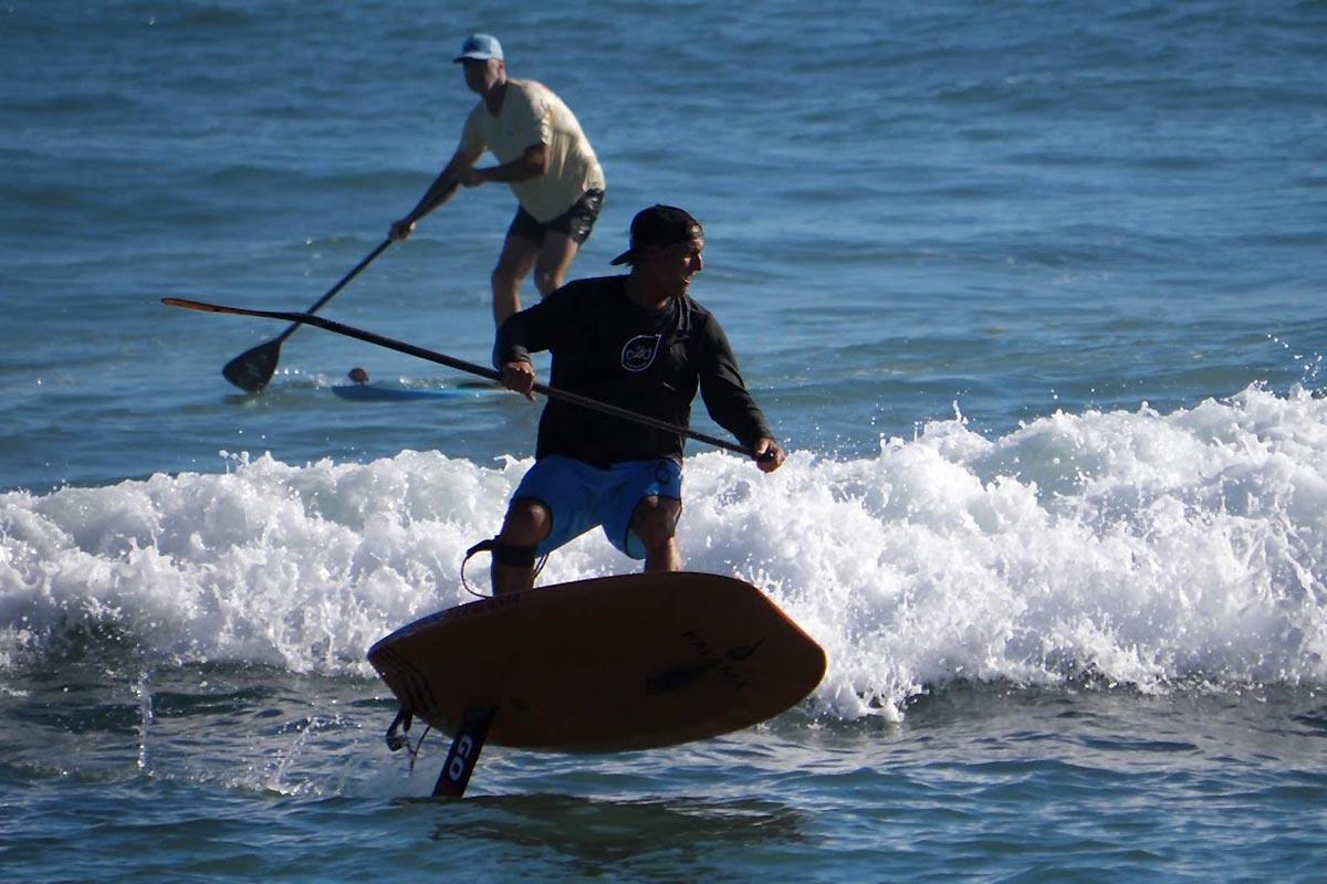 Dave Kalama et Eddie Ogata en SUP foil à Maui
