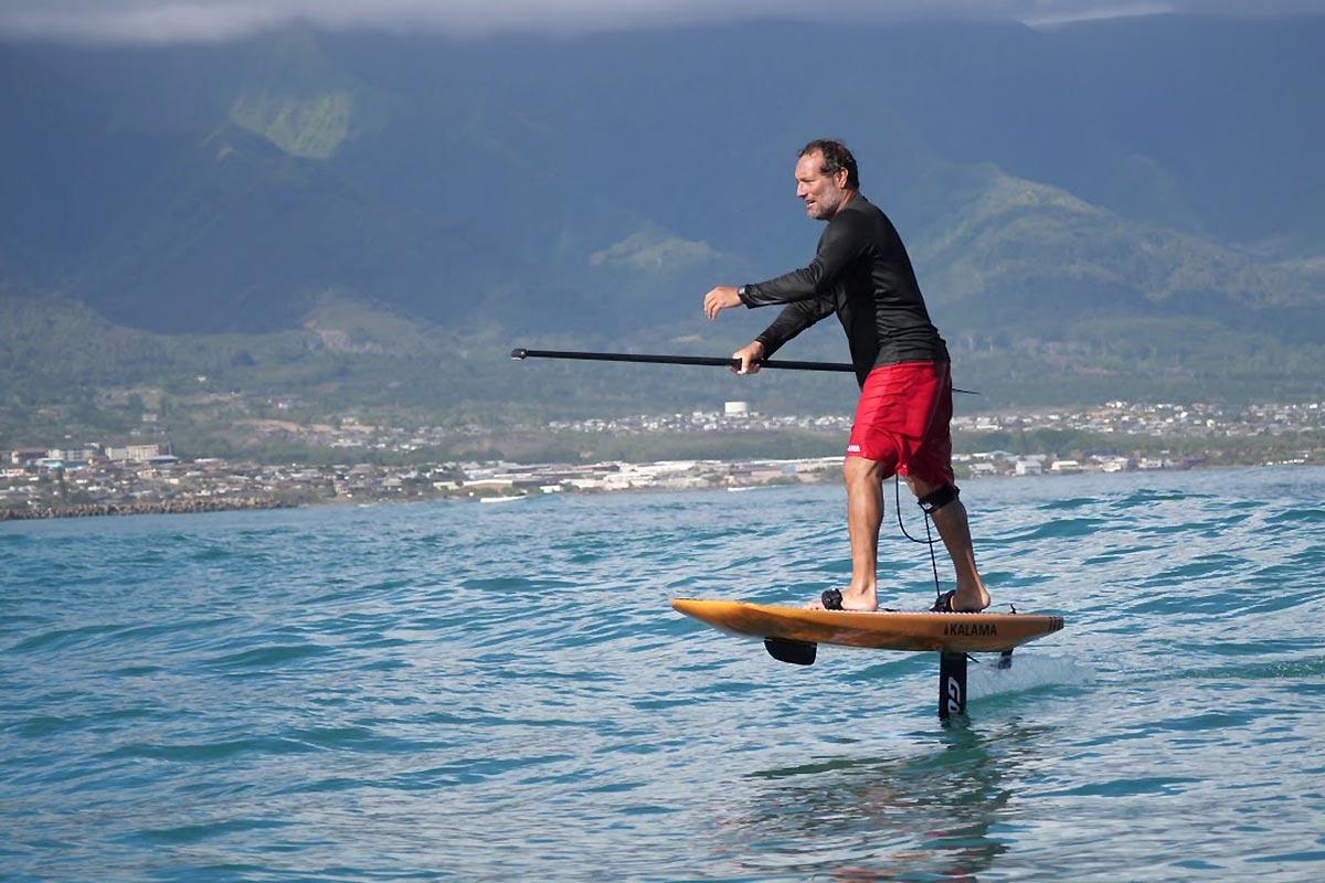 Une longue vague en SUP foil avec Dave Kalama