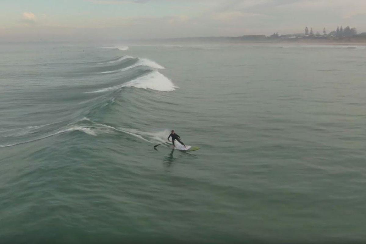 De belles vagues d'automne en Australie