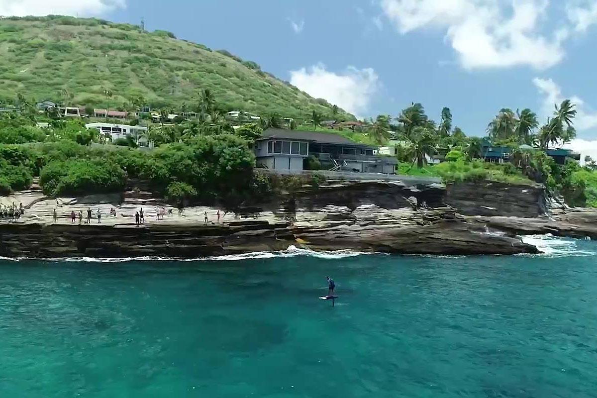Kai Lenny sur la Molokai 2 Oahu