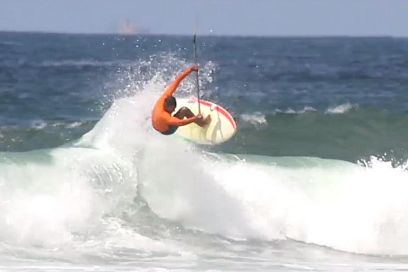 Luiz Diniz - SUP Surfing in the summer