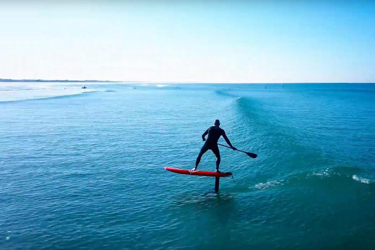 Du SUP foil et du surf foil à Penhors